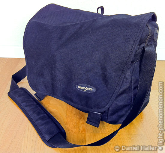 "Samsonite Wander 3 Paris 17"" Laptop Messenger Bag"