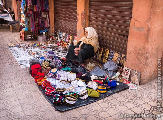 Strassenverkäuferin, Marrakesch