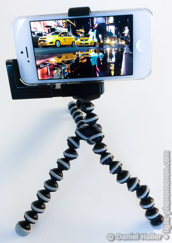 iPhone auf GorillaPod NYC - light-phenomenon.com - Daniel Haller